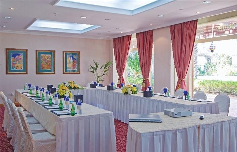 отдых в ОАЭ Шарджа отель бич