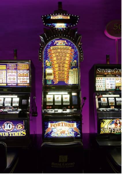 Le royal casino la napoule casino online review royal vegas